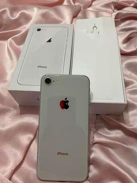 Iphone 8 con caja y accesorios