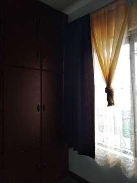 Alquilo habitación amoblada en Palmira