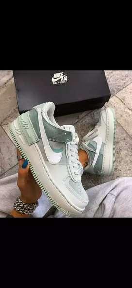 Tenís Nike Air forcé one Dama