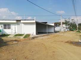CASA ESQUINERA COMERCIAL CON LOCAL