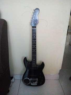 Guitarra eléctrica en bues estado precio negociable