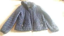 chaqueta azul  marca stradivarius talla