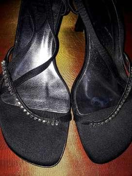 Sandalias nuevas 38 usa