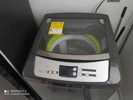 Vendo lavadora de 13kg en muy buen estado con poco uso.