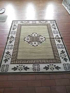 Se vende alfombra grande segunda medidas 120 x168