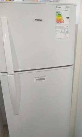 Vendo heladera Sigma SIH290B, 290lts
