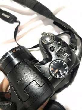 Fujifilm finepix S 12 mega pixels.