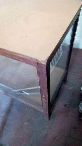 2 Mostradores Madera con Vidrios