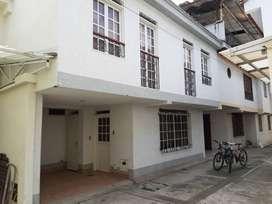 venta casa 2 pisos bonita amplia, buena luz y segura