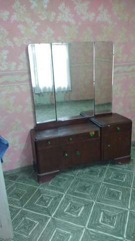 Vendo Juego de Dormitorio Antiguo.exelen