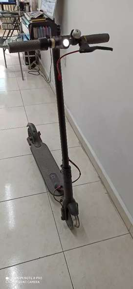 Patineta Xiaomi m365 eléctrica scooter