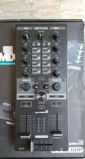 Mixxer Mixtour algoriddim reloop