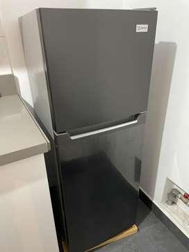 Refrigeradora semi nueva