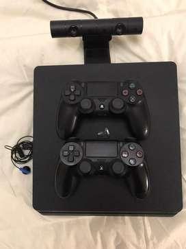 PlayStation 4 SLIM 500GB/ 2 Joystick/ Camara
