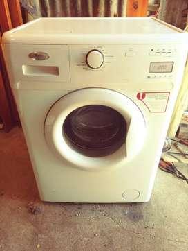 Vendo lavarropas whirlpool 8 kilos 1200 rpm