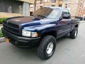 Vendo permuto Dodge ram 1500 laramie