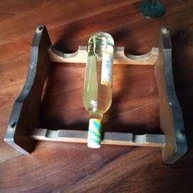 Bodeguero de madera para tres botellas