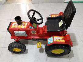Tractor manual de juguete  usado