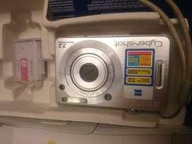 Cámara Sony DSC-W55 en perfecto estado