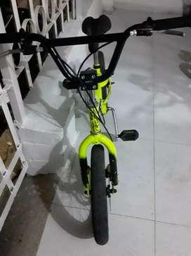 Vendo dos hermosas y casi nuevas bicis para niños