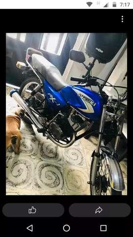 Vendí moto ax 100 sero patos