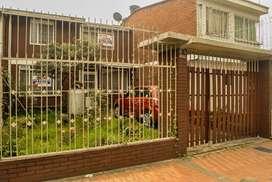 Casa con Excelente ubicación y Tradición de propiedad.