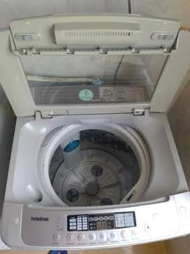Se vende lavadora 32 libras Ig turbodrum