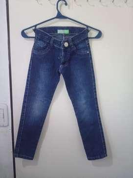 Jean. De. Nena $ 100