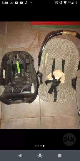 silla de auto y huevito para bebé