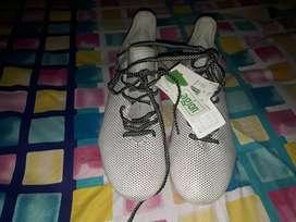 Zapatos pupillos adidas originales con etiqueta aun sin usar talla 42