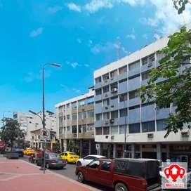 Oficina con vista a la calle, en alquiler, centro de Machala, 836