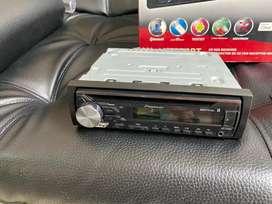 Vendo radio para carro PIONEER DEH-X3950BT como nuevo, sirve para Bluetooth, Usb,Cd. estado 9/10 poco uso