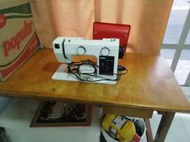 Vendo maquina de coser.