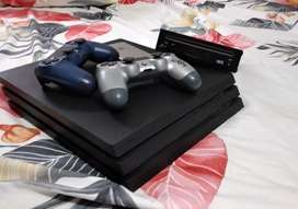 Se vende play 4 pro 1 TB, iphone 6 32GB y WII