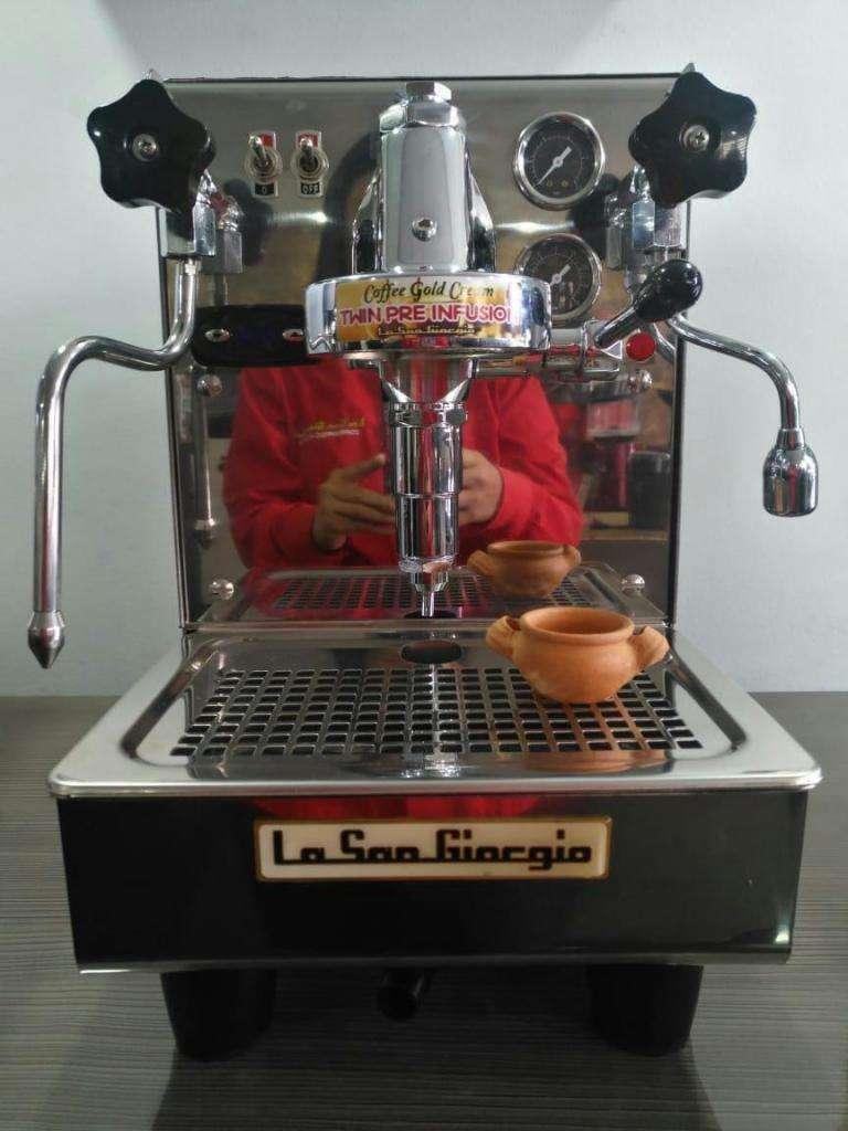 maquina para capuchinos, cafés , expresos , dispensadoras 0