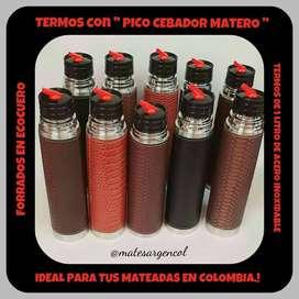 TERMO con  PICO CEBADOR MATERO  de 1 LITRO FORRADO ECOCUERO !