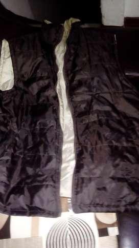 Lindo chaleco talla L con muy poco uso a solo 15000