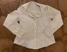 Camisa gris a rallas talle S