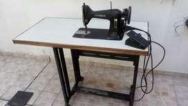 Maquina de coser Admiral R12