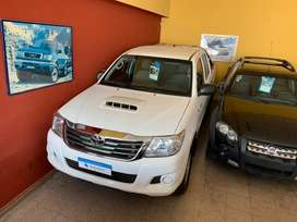Toyota hilux 4x4 Dx pack
