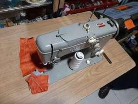 Maquina PFAFF 260 (Negociable)