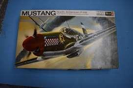 Avíon Mustang a escala - Antiguo