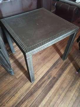 Mesa eterna RIMAX + 4 sillas con brazos