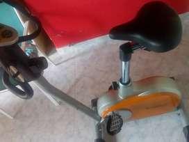 Vendo bici fija excelente estado casi nueva