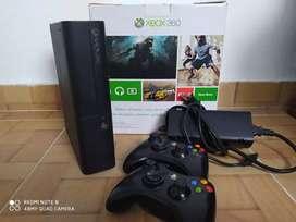 Vendo Xbox 360  5.o
