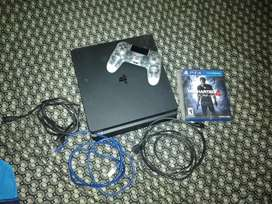 Se vende play 4. Negociable