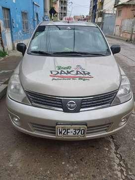 Por necesidad se vende Nissan Tiida del 2012