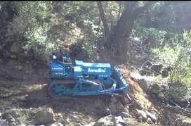 SE VENDE TRACTOR AGRICOLA ORUGA MARCA LANDINI De 85 hp a 13900 dolares