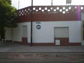 PARAGUAY 5798 - CASA FRENTE - ALQUILER