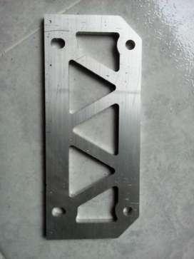 Fresado de piezas en materiales como aluminio, cobre, teflón, madera, mdf